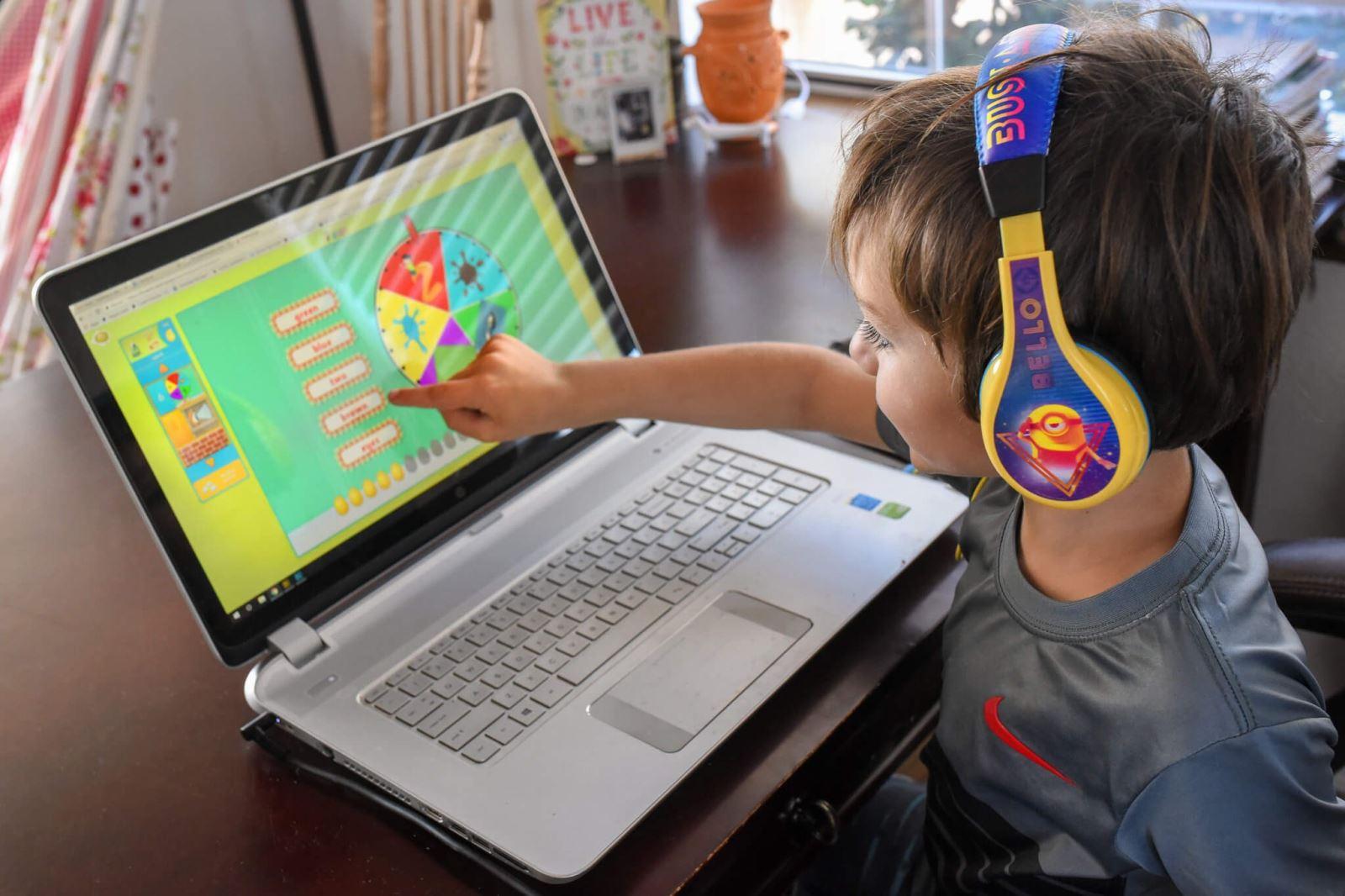 Phần mềm đọc tiếng Anh chuẩn cho trẻ em