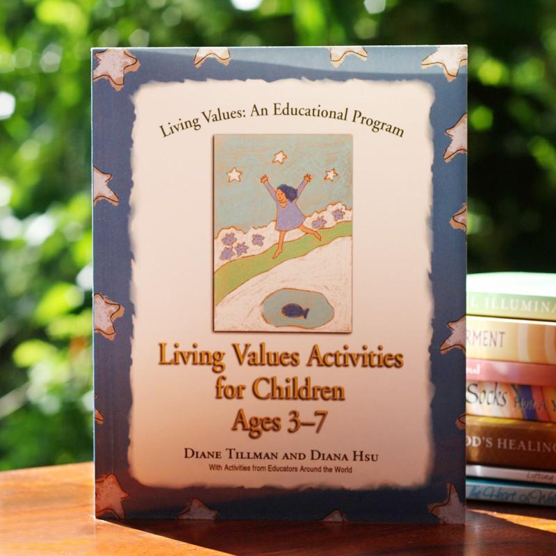 Sách tiếng Anh cho trẻ lớp 1 dạy kỹ năng sống