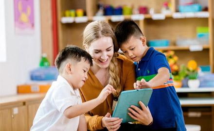 6 sai lầm mà ba mẹ hay mắc phải khi dạy trẻ tiểu học môn tiếng Anh