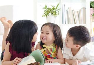 Tám cách giúp con bạn học tốt tiếng Anh