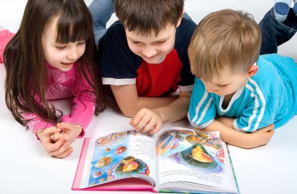 Bí quyết dạy con học tiếng Anh qua truyện hiệu quả cho ba mẹ